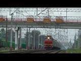 Электровоз ЧС2Т-1005 с поездом №212 (Москва → Мурманск) и приветливый машинист