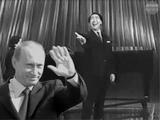 Политическая пародия на советскую песню