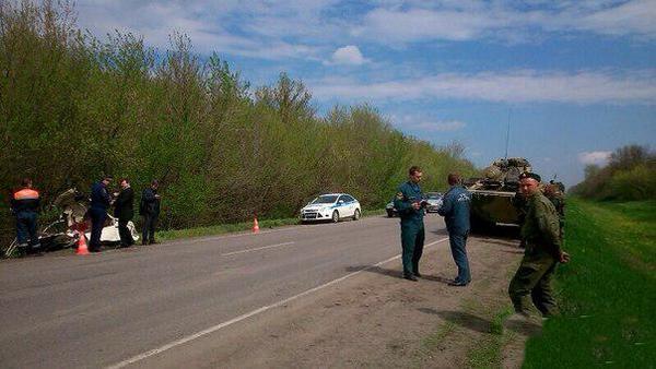 В Ростовской области БТР раздавил легковушку с людьми