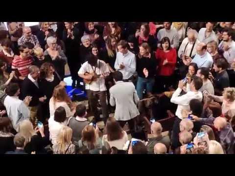 Salvador Sobral Directo Barcelona - Anda Estragar-me Os Planos (Palau de la Música 17-05-2019)