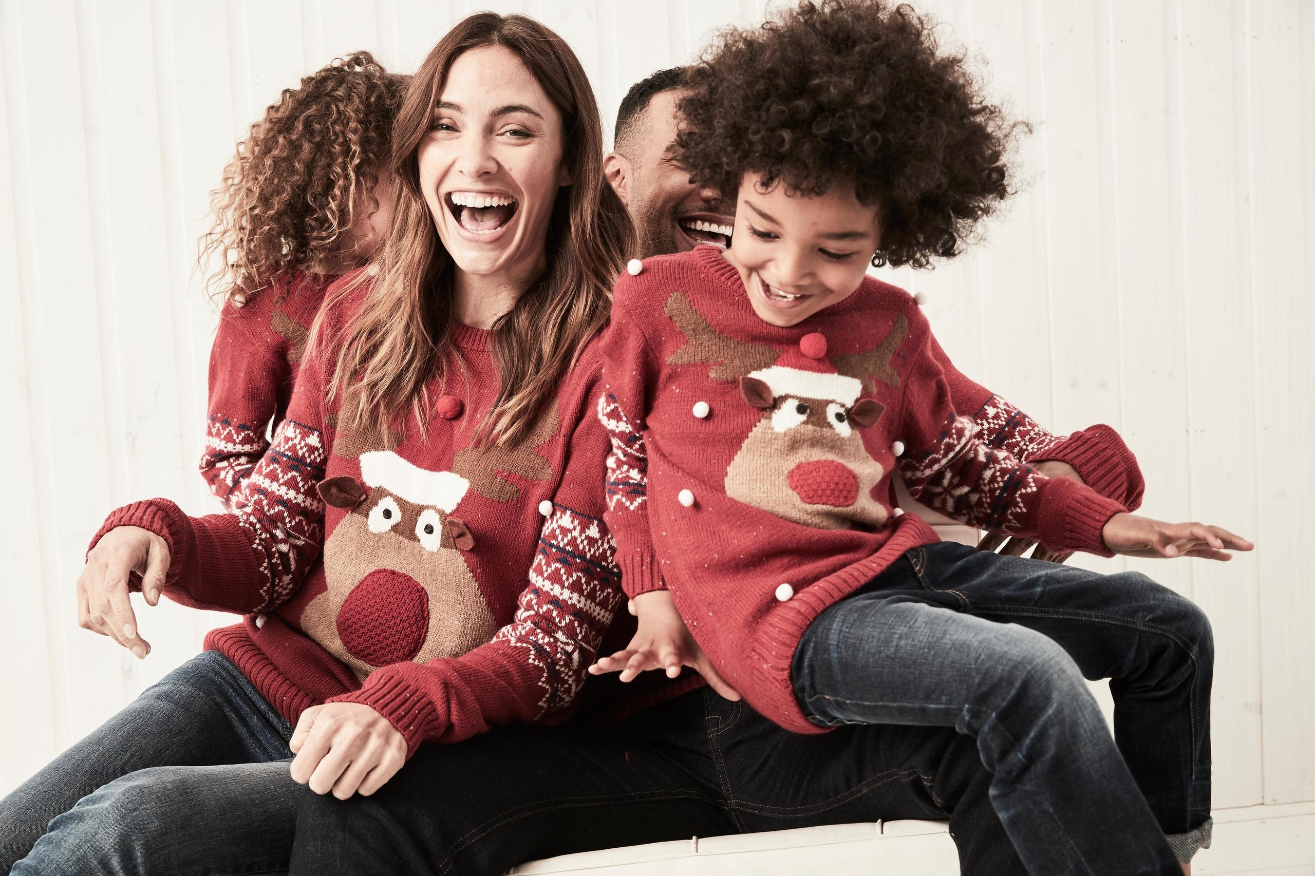 de1de8c372b0 Так же, можно организовать строгий Family look, который походит для пар без  детей, хотя молодые мамы тоже часто выбирают такой стиль.
