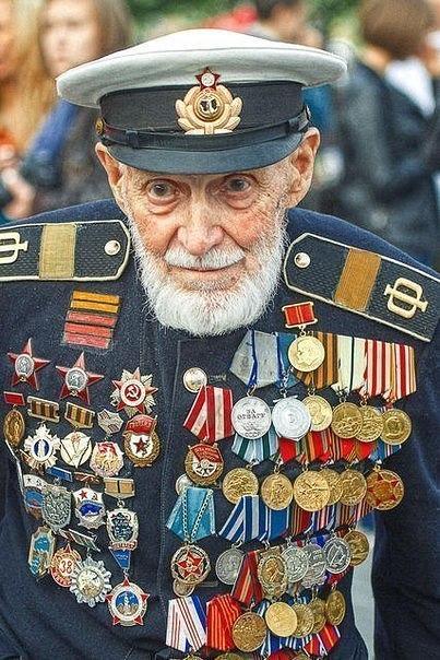 Многие видели фото этого человека, но кто он