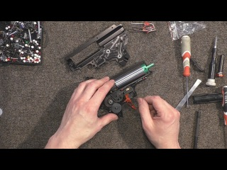 Обзор гирбокса от Retro Arms от Black Wolf в мастерской Bull Gear Custom