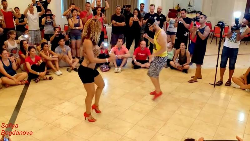 Классный танец *Обручальное колечко* Танцуют Хорхе Атака и Таня Алемана