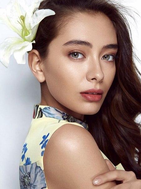 Неслиха́н Атагю́ль Догулу (Neslihan Atagül Dogulu) — турецкая актриса и модель.