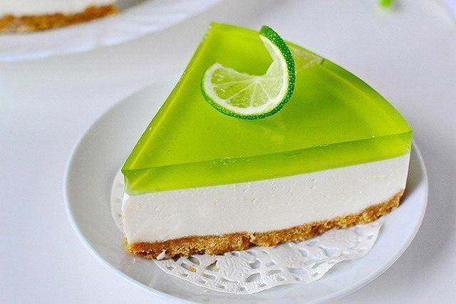 Желейный торт без выпечки с лаймовым вкусом Ингредиенты: печенье