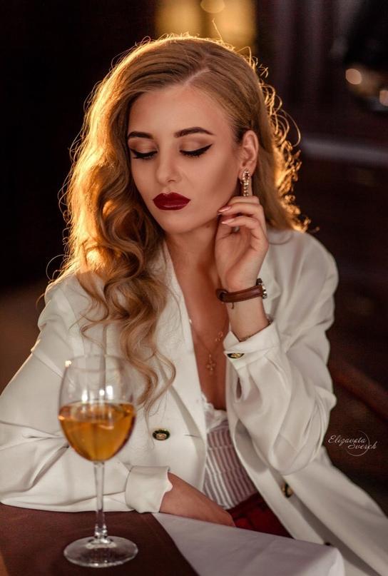 Елизавета Сафронова |