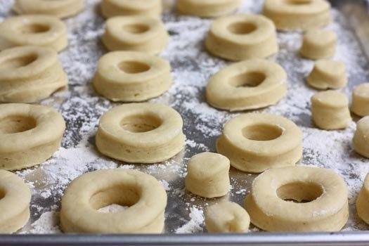 Пончики Ингредиенты: - Молоко - 1,5 стакана - Сахар -