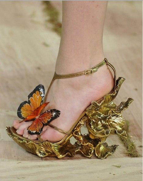 Гардероб наших леді в колекціях fashion дизайнерів - Страница 4 Riwp6ity31c