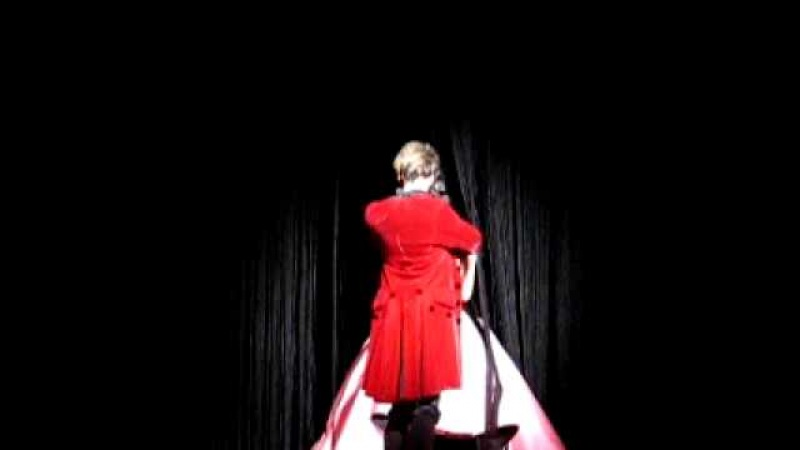 Mikele perd son micro ^^ 13 11 10 Mozart l'Opéra Rock