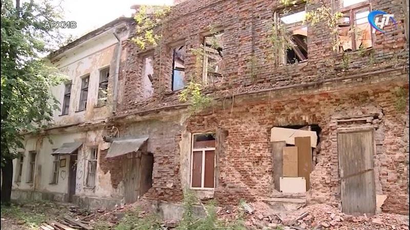 Новгородцам рассказали, что будет на месте бывшего военного госпиталя на набережной реки Гзень