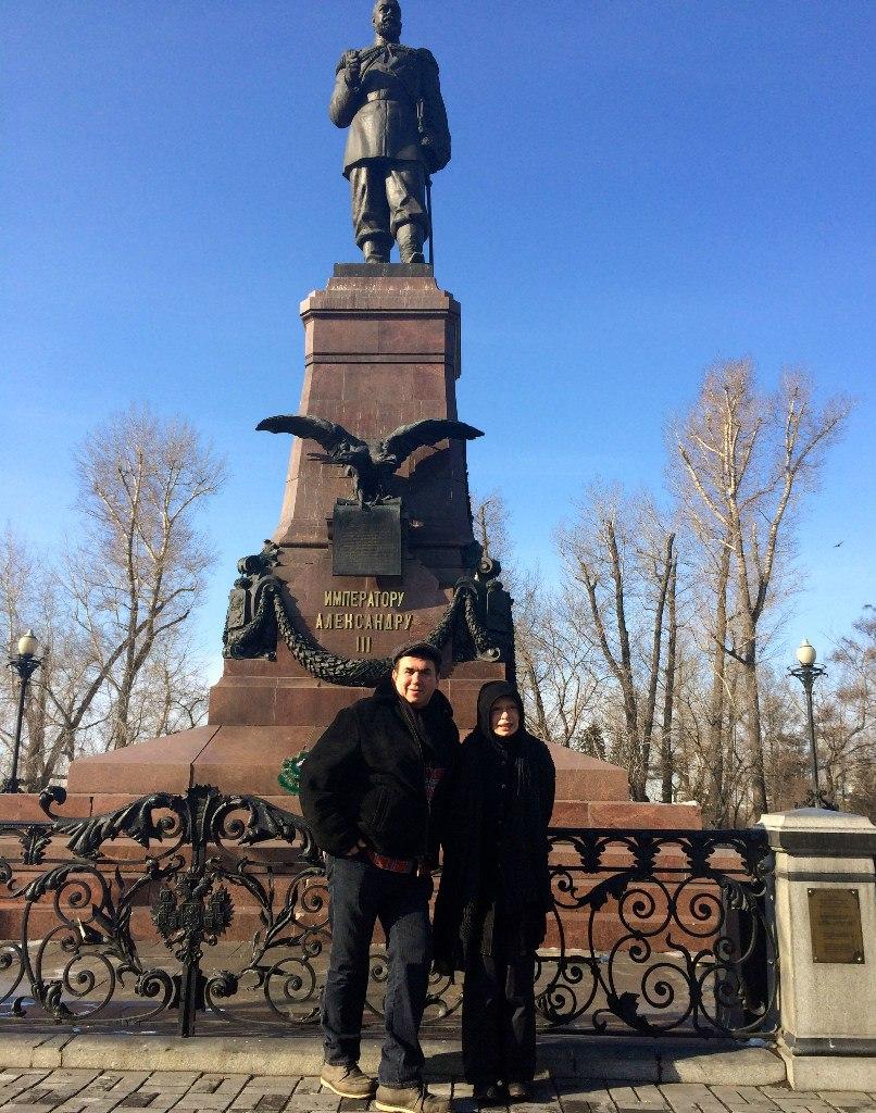 В первомайский праздник 1920 года в Иркутске с пьедестала свергли статую http://cs616221.vk.me/v616221168/5dcc/uZKkMeSWCx8.jpg
