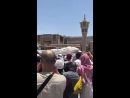 استقبال جثمان الشيخ أبي بكر الجزائري رحمه الله تعالى بعد الصلاة عليه