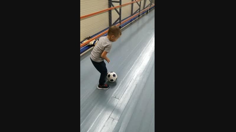 первая тренировка по футболу у нашего младшего сокровища 🤗💪⚽🏃🏆