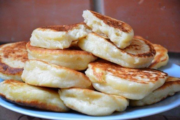 Пышные оладушки на кефире Ингредиенты: Яйцо — 1 шт. Сахар