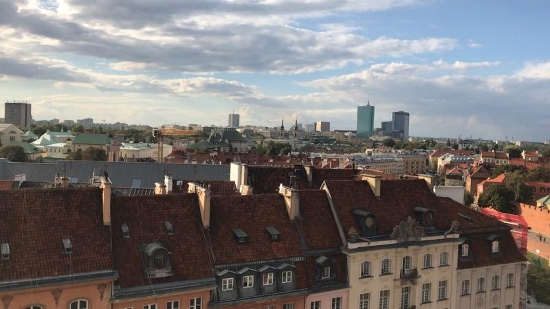 Самый удачный ракурс на центр Варшавы - это обзор со смотровой площадки на колокольне Церкви Святой Анны рядом с Замковой площад