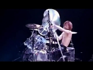 #drums #xjapan #fbf Which show? Which country?! どの国でやったコンサートだったかな? https://www.instagram.com/p/BeuoiP3gqFN/?hl=en&taken-by=yoshi