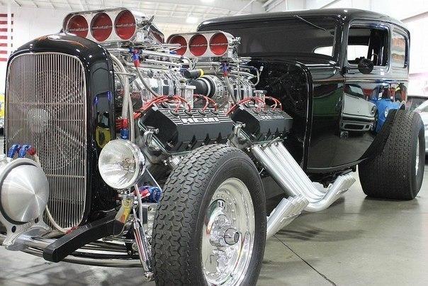 Ford Delivery, 1932 Понятие мощности в мире автомобилей довольно растяжимо. Не всегда можно сразу определить достаточно ли под капотом лошадок. Однако бывают и такие случаи, когда вердикт очевиден. В данном случае речь идет об автомобиле из класса хот-род, который способен генерировать до 2500 лошадиных сил. В это сложно поверить, однако непомерный моторный отсек этого творения действительно обладает сдвоенными восьмицилиндровыми двигателями, каждый из которых в свою очередь оснащен двойным…