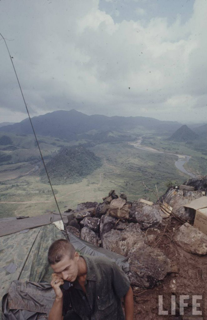 guerre du vietnam - Page 2 ZgEIrYfRwYI