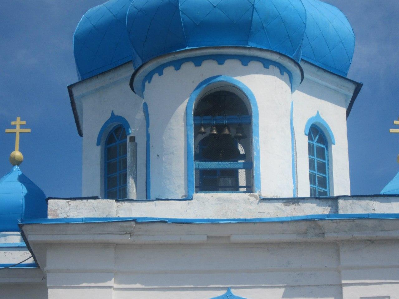 Звонница храма крупно (25.06.2013)