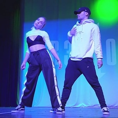 "BEST DANCE VIDEOS❗❤ on Instagram: ""Follow @loveedancers for more💥Dancers @lillaradoci @attilabohm 😍#16shots #stefflondon #r3done #lillaradoci #a..."