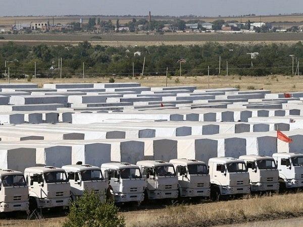 Второй гуманитарный конвой для Украины стоит в Ростовской области