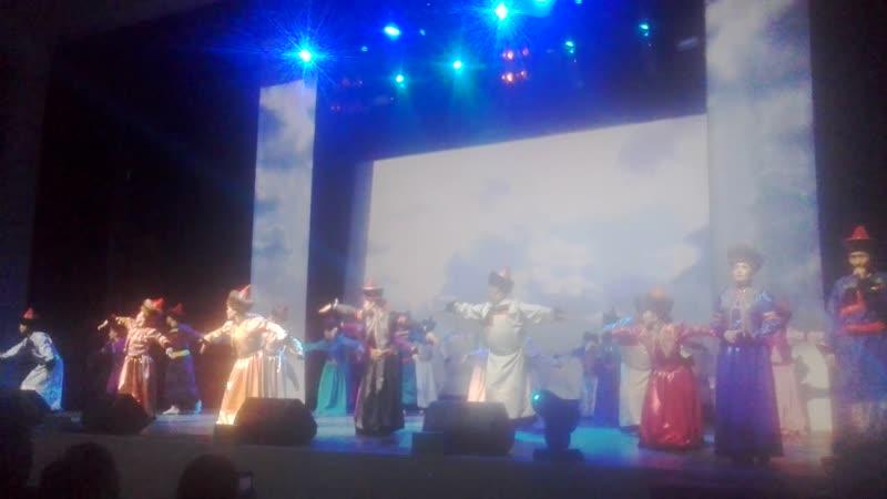 Театр песни и танца Амар сайн (3)