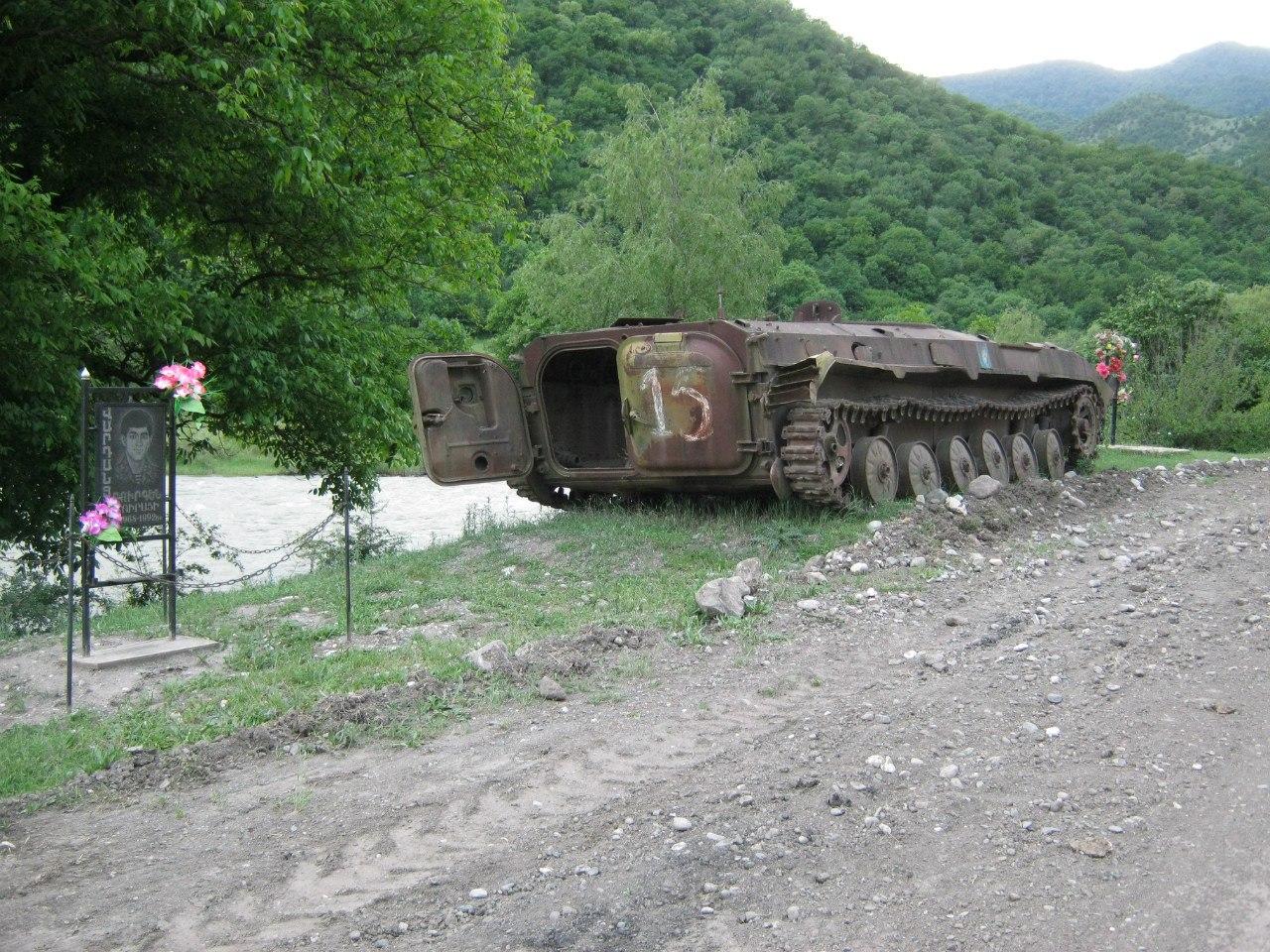 Бронетехника карабахской войны на дорогах Карабаха