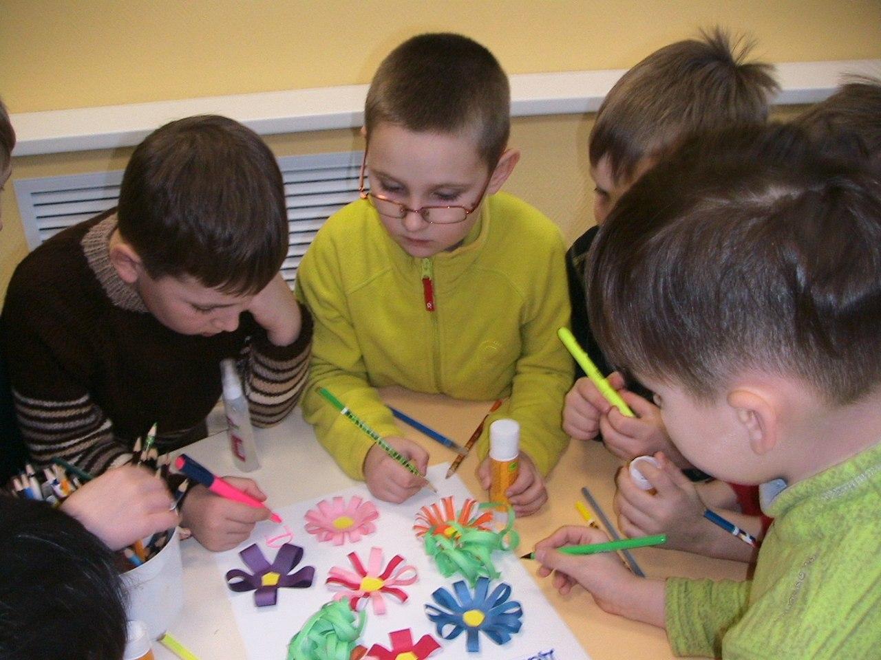 Игры, эстафеты и конкурсы для детей прошли в библиотеке на улице Лавочкина
