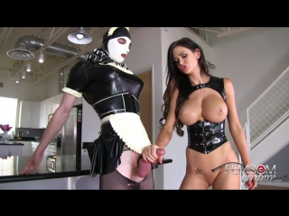 Kendall karson - rubber maid always cleans up
