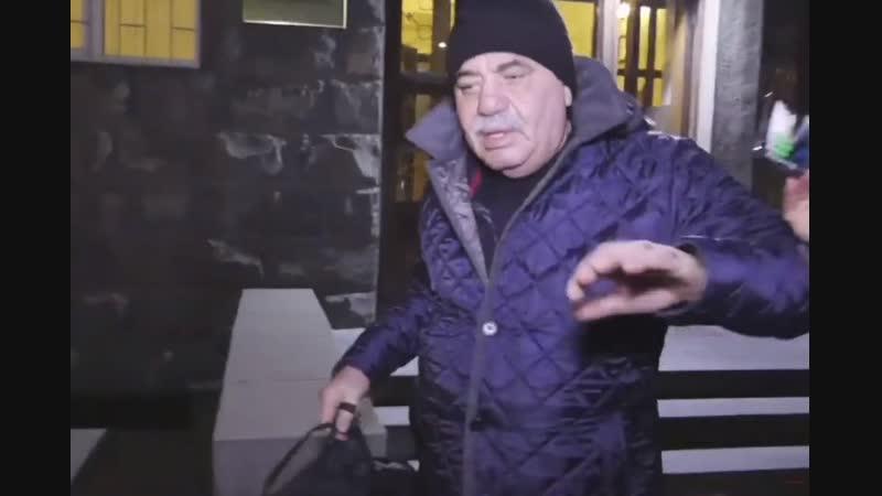 Մանվել Գրիգորյանը դուրս է գալիս Երևան Կենտրոն ՔԿՀ ից