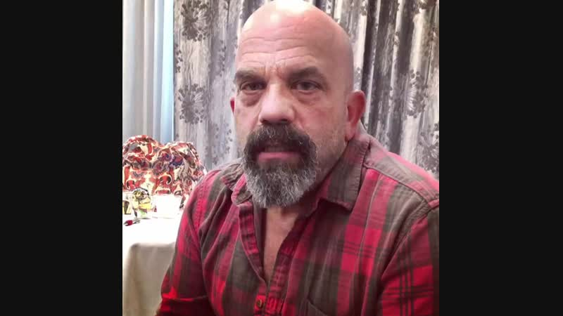 @leearenberg1211 is here at @creationent's final OnceUponATime convention with a message to all the Oncers! 💙