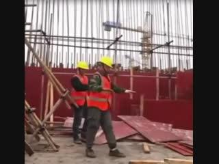Танцы на стройке - Строим дом своими руками