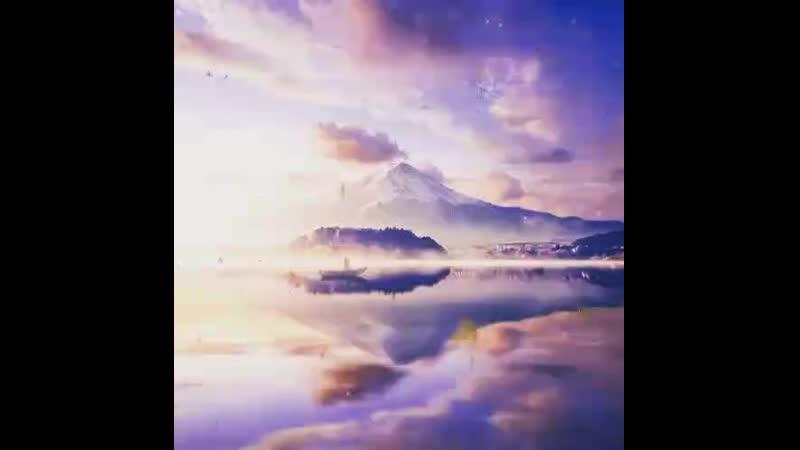 Моняший вид гор, озеро