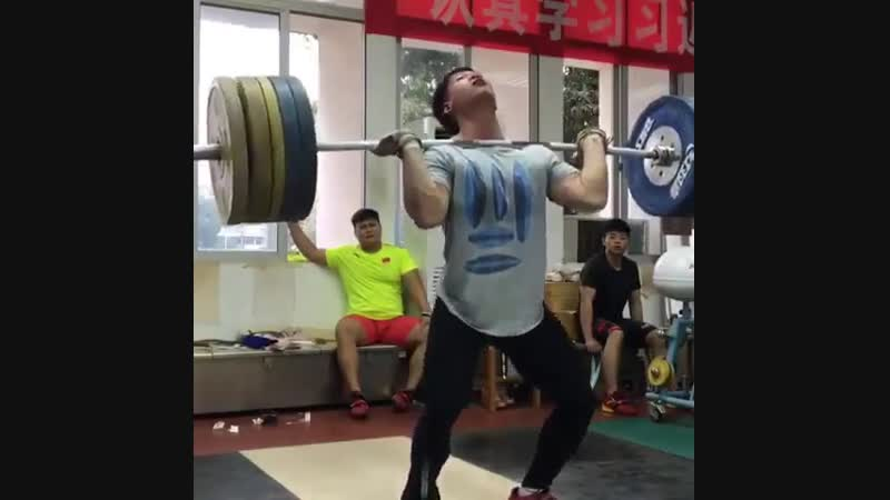 Liu Jiawen (89kg) with an incredibly strong 190kg Clean 2 Jerks