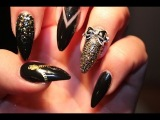 BLACK &amp GOLD CASINO NAILS