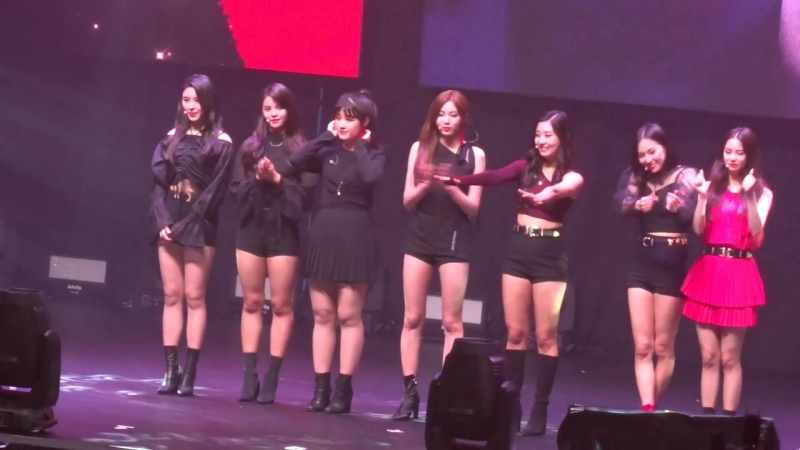 """180720 CLC (씨엘씨) Live Show in Hong Kong - Same Pose Special Stage """"IntroCrazyBlack Suit"""" Photo"""