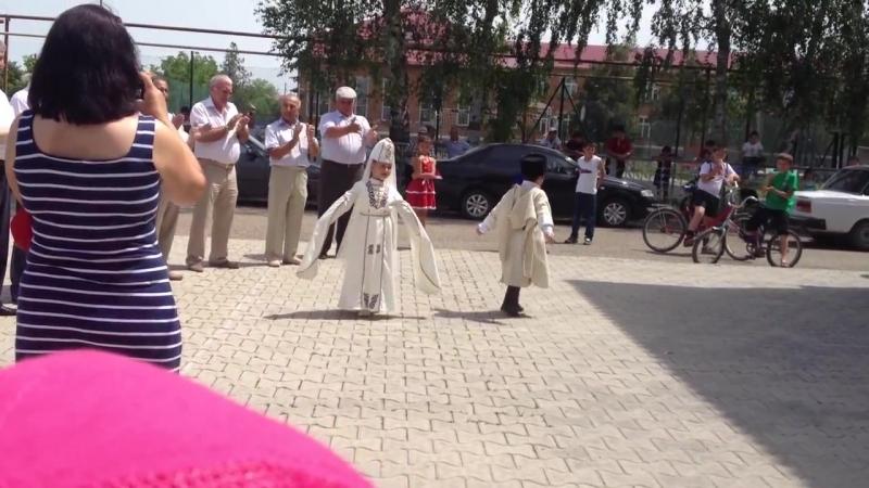 Черкесский танец в ауле Урупском Краснодарского края