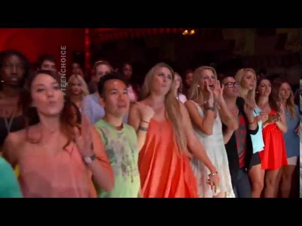 Becky G - Shower (Live Teen Choice Awards)
