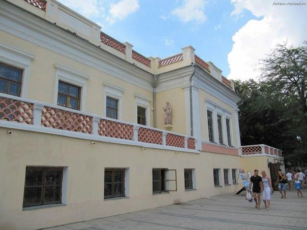 Картинная галерея имени И. К. Айвазовского