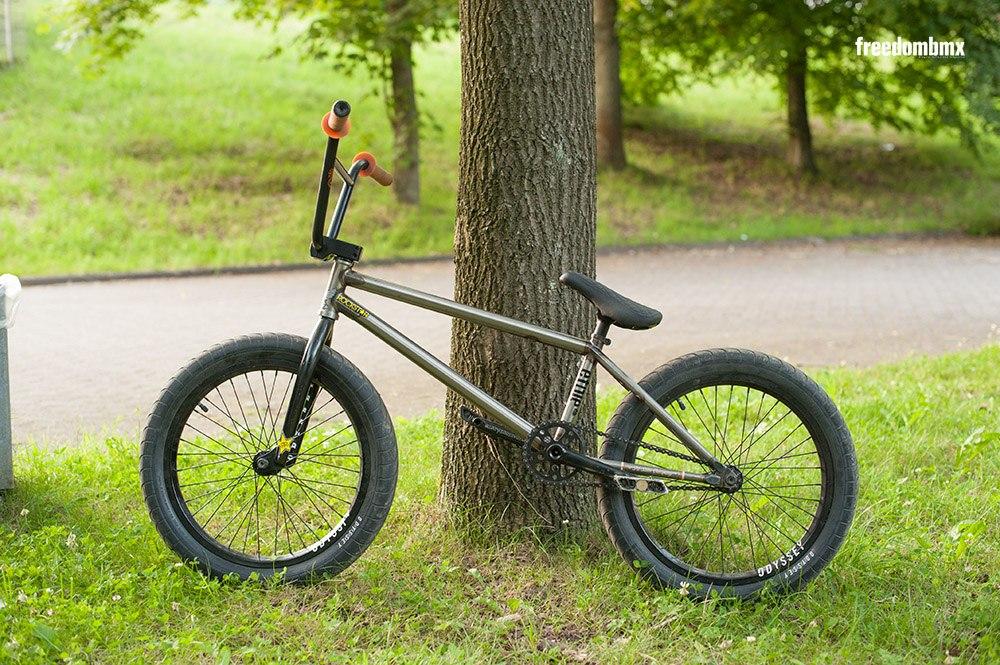 Tom Dugan bikecheck