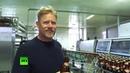 Петер Шмейхель лудит жигуль на заводе в Самаре ЧМ 2018