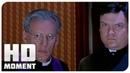 Святой отец проводит обряд экзорцизма - Очень страшное кино 2 2001 - Момент из фильма