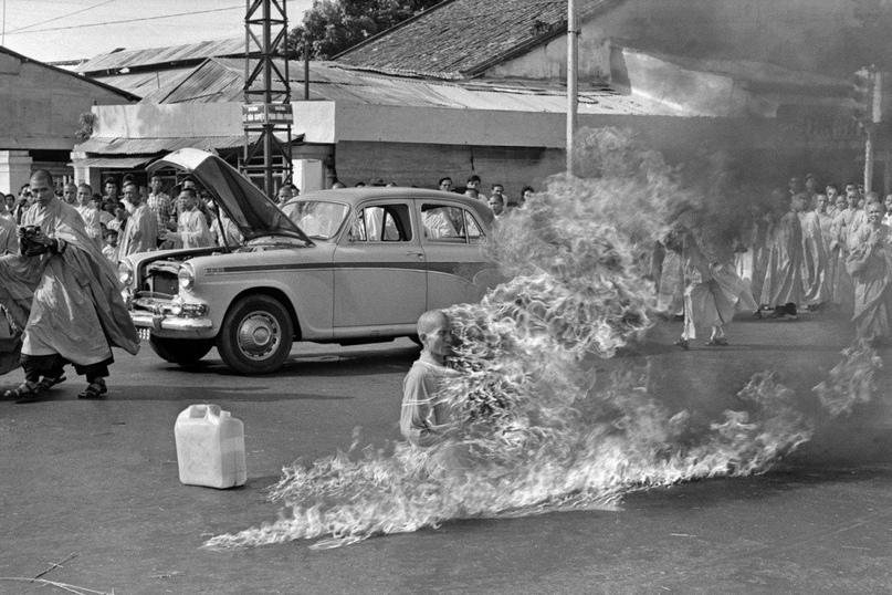 Самосожжениe монахa в знaк пpотеста, Вьетнам, 1963