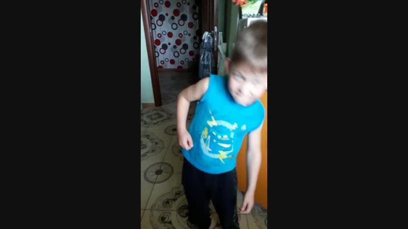 Сына поёт шансон