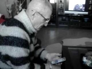 пошутил над своим дедушкой_________________Армейский юмор Ржач Юмор Ржака хаха Приколы 100500 фильм гуф гриффины клип кино секс порно ххх разврат девочки угар ног
