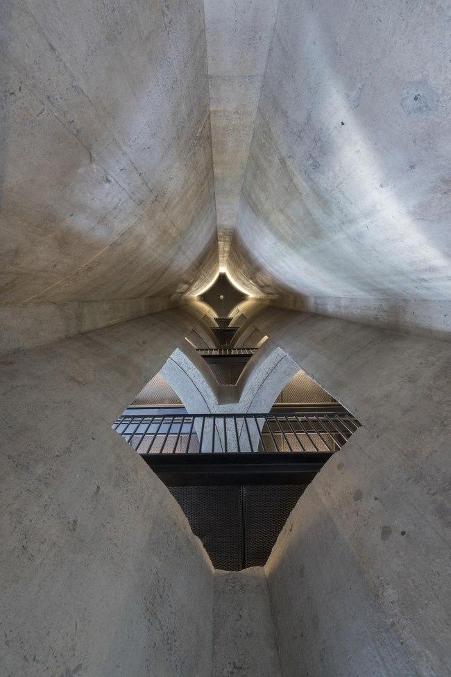 В Кейптауне в бывшем элеваторе открылся  музей современного африканского искусства по проекту Heatherwick Studio