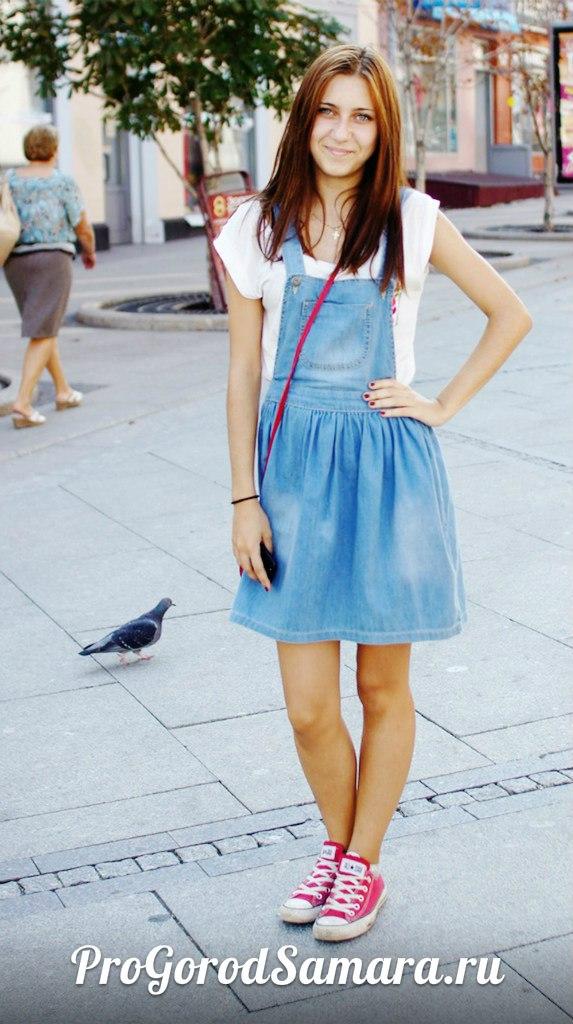 Картинки русская школь ница подняла платье фото 320-650