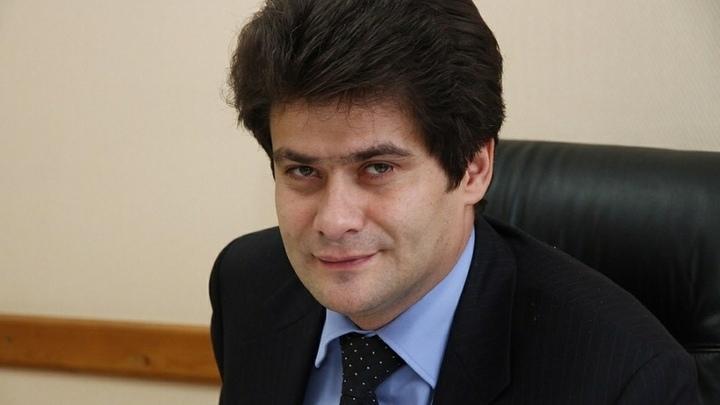 Мэр Екатеринбурга объяснил, для чего поднимает себе зарплату