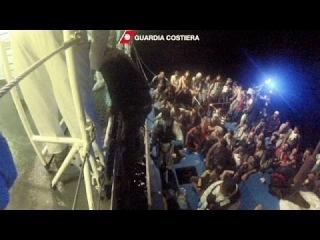 Италия просит помощи у ЕС для спасения утопающих мигрантов